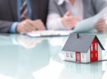 Wer seine Immobilie privat verkaufen will, muss zahlreichen Stolpersteinen ausweichen.